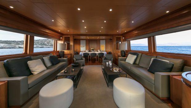 summer dreams motor yacht salon min -  Valef Yachts Chartering - 4725