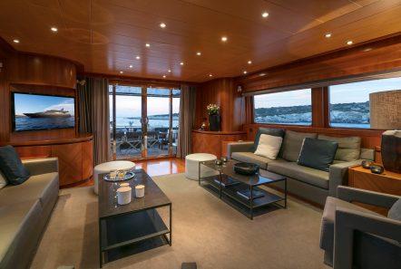 summer dreams motor yacht salon2 min -  Valef Yachts Chartering - 4726