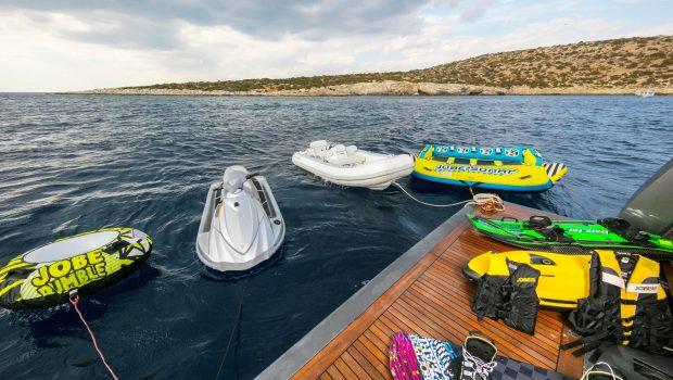 summer dreams motor yacht swim platform min -  Valef Yachts Chartering - 4721