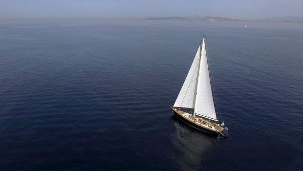 wind of change sailing yacht exteriors (7) min -  Valef Yachts Chartering - 3730