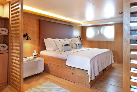 HAPPY DAY MASTER CABIN LOWER DECK fore -  Valef Yachts Chartering - 3453