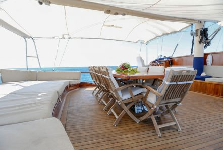 aegean schatz motor sailer gulet aft table (1) -  Valef Yachts Chartering - 3052