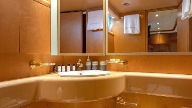 alandini motor yacht cabins (10) min -  Valef Yachts Chartering - 3501