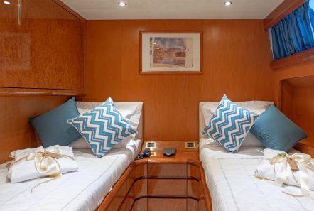alandini motor yacht twins (5) min -  Valef Yachts Chartering - 3516