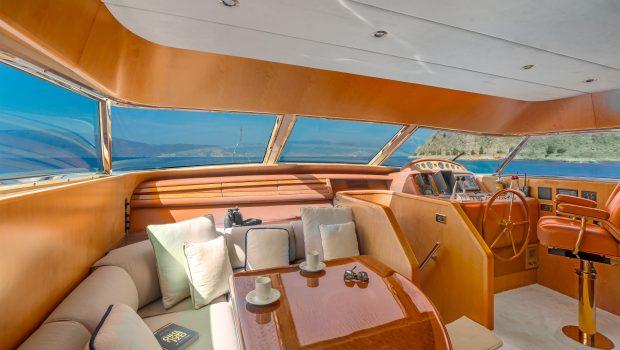 alandini motor yacht wheel house (2) min -  Valef Yachts Chartering - 3515