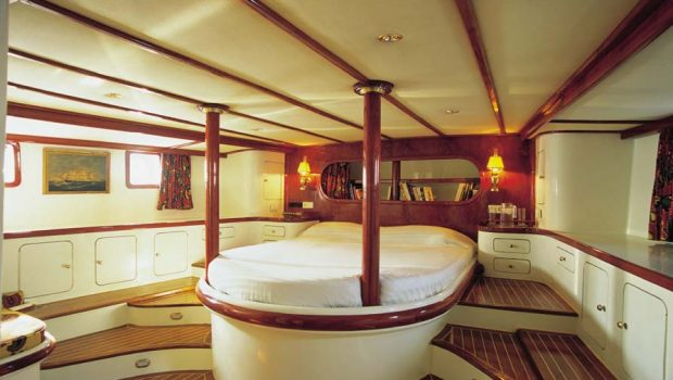 almyra motor sailer master -  Valef Yachts Chartering - 3248