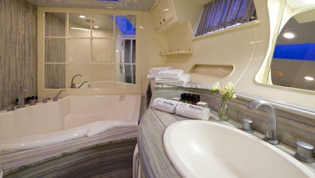 amadeus sailing yacht master bath min -  Valef Yachts Chartering - 3553