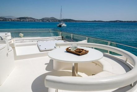 ananas motor yacht flybridge -  Valef Yachts Chartering - 2562