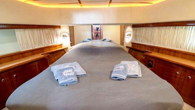 ananas motor yacht vip stateroom -  Valef Yachts Chartering - 2570