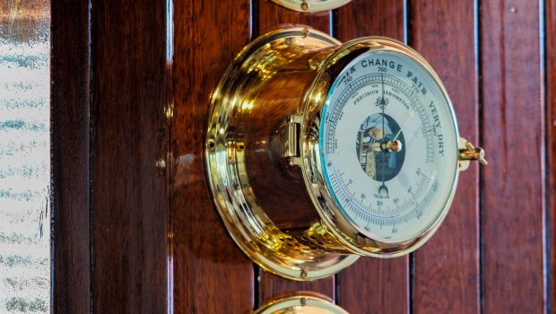 astarte motor sailer classic instruments min -  Valef Yachts Chartering - 3612