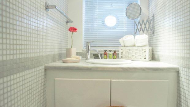 astarte motor sailer room3 bathroom min -  Valef Yachts Chartering - 3585