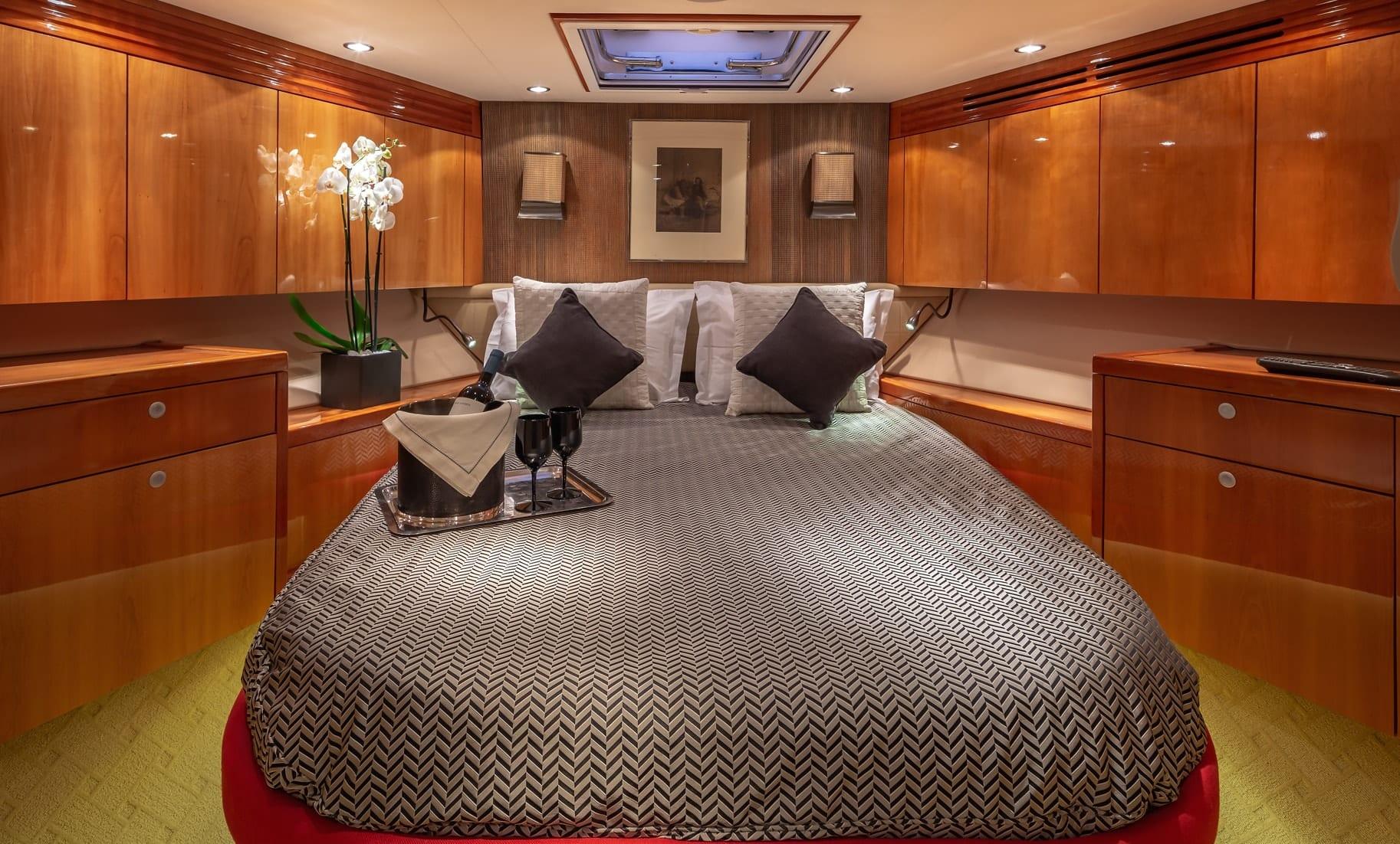 astrape hatteras double cabin (2) min -  Valef Yachts Chartering - 2838