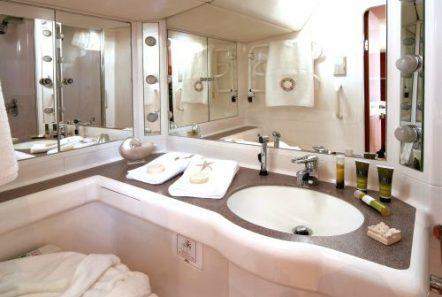 callisto sailing yacht bath (2) -  Valef Yachts Chartering - 3239