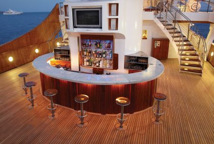 christina o superyacht extenal bar min -  Valef Yachts Chartering - 3562