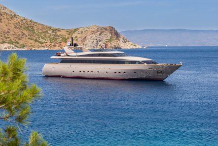 CHRISTINA V motor yacht profile - Valef Yachts Chartering - 3285