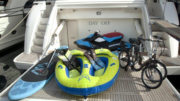 day off motor yacht swim platform -  Valef Yachts Chartering - 3308