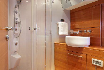 george v motor yacht bath min -  Valef Yachts Chartering - 2611