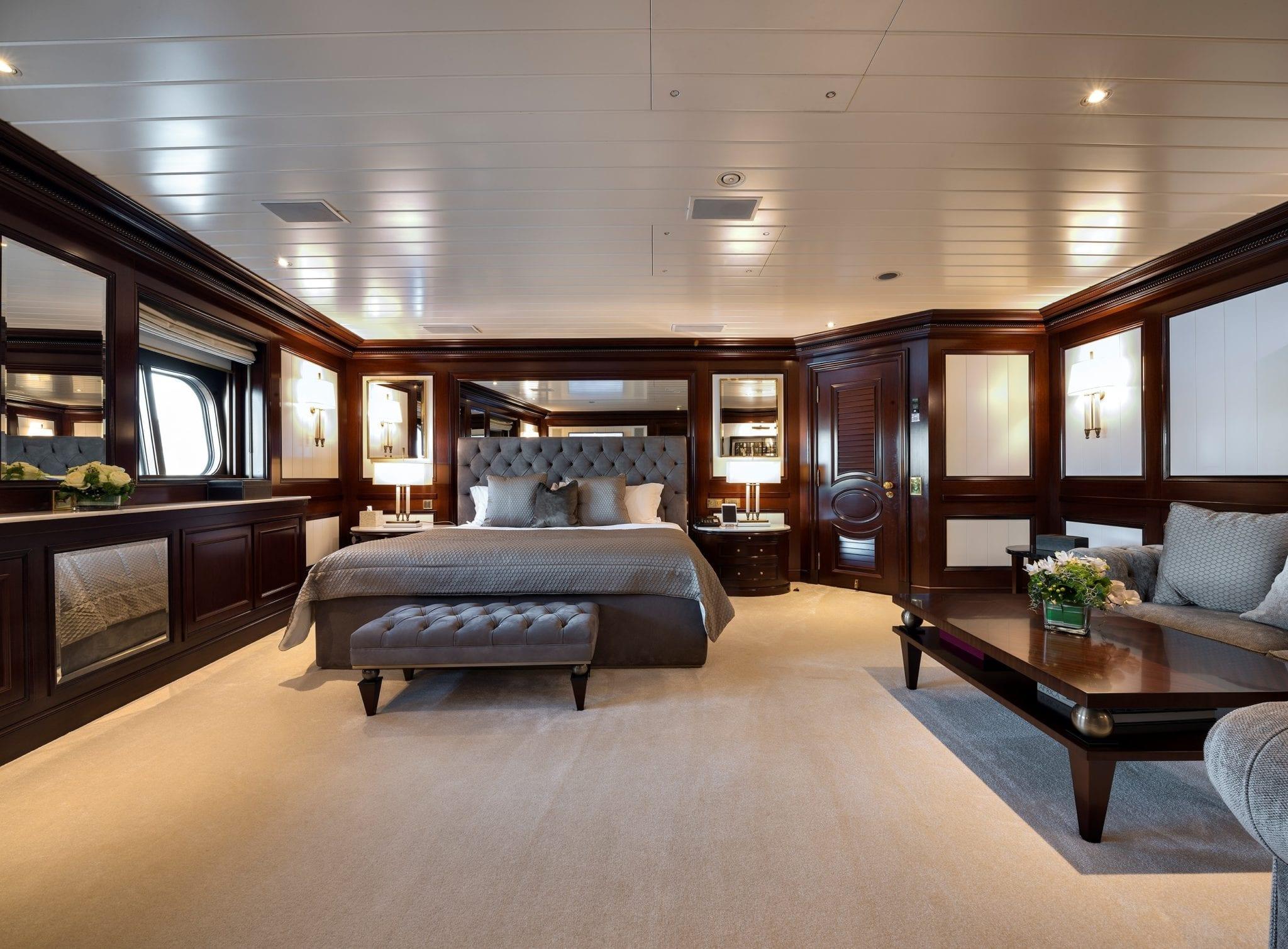 grand ocean mega yacht charter suits bath (3) min -  Valef Yachts Chartering - 3075