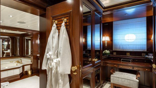 grand ocean mega yacht charter suits bath (4) min -  Valef Yachts Chartering - 3074