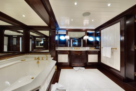 grand ocean mega yacht charter suits bath (5) min -  Valef Yachts Chartering - 3073