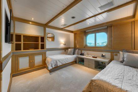 grand ocean mega yacht charter suits bath (6) min -  Valef Yachts Chartering - 3072