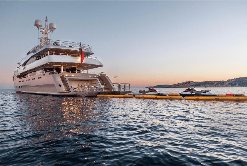 light holic megayacht ambiant (1) -  Valef Yachts Chartering - 3160