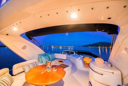 manu motor yacht sundeck min -  Valef Yachts Chartering - 3317