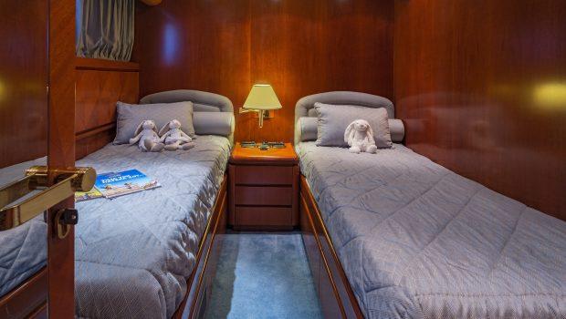marvi de motor yacht twin min -  Valef Yachts Chartering - 2889