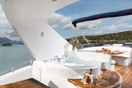 nitta v motor yacht sundeck min -  Valef Yachts Chartering - 2541