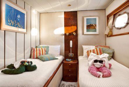 nitta v motor yacht twins min -  Valef Yachts Chartering - 2550