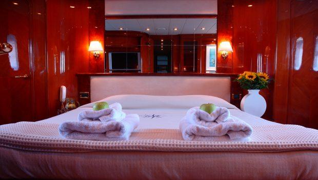 nitta v motor yacht vip min -  Valef Yachts Chartering - 2549