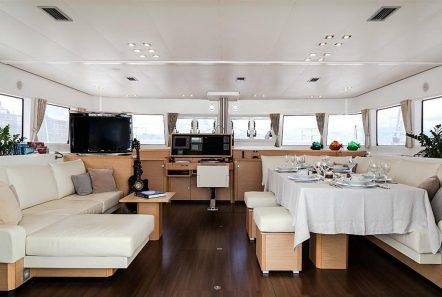 nova catamaran salon (4) -  Valef Yachts Chartering - 2722