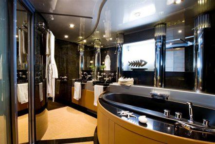 pandion motor yacht bath -  Valef Yachts Chartering - 3398