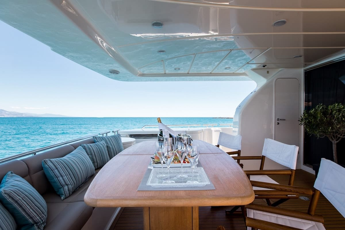 piola motor yacht aft deck (1) min -  Valef Yachts Chartering - 3364