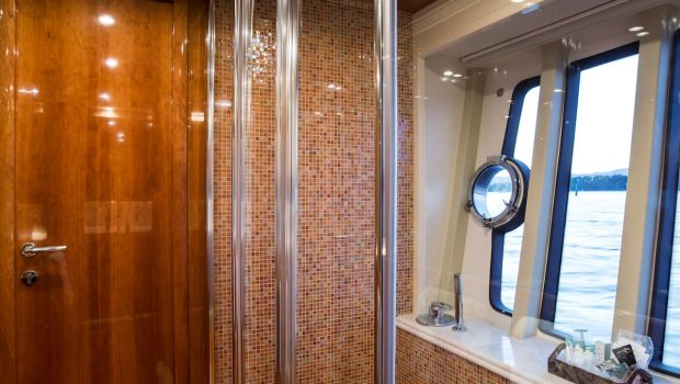 piola motor yacht cabins (1) min -  Valef Yachts Chartering - 3378