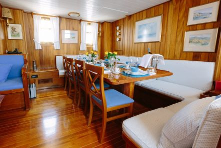 sir winston churchill classic sailing yacht dining (4) -  Valef Yachts Chartering - 2796