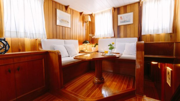 sir winston churchill classic sailing yacht salon (2) -  Valef Yachts Chartering - 2790