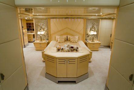 sunday megayacht master suite (2) min -  Valef Yachts Chartering - 3354