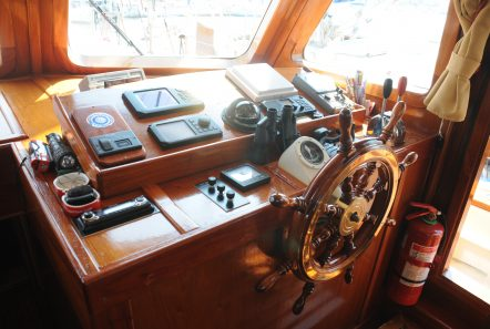 aegeas motor sailer wheel -  Valef Yachts Chartering - 1907