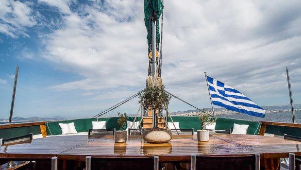 arktos motor sailer aft table (1) min -  Valef Yachts Chartering - 2299