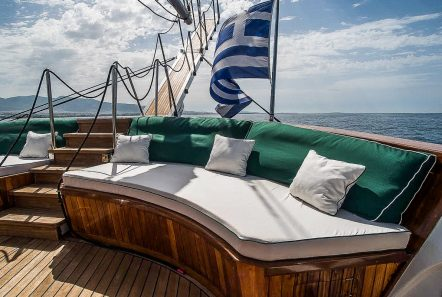 arktos motor sailer aft table (3) min -  Valef Yachts Chartering - 2297
