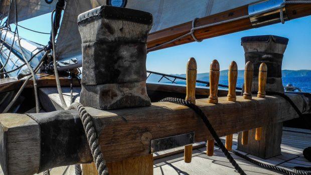 arktos motor sailer sailing (3) min -  Valef Yachts Chartering - 2240