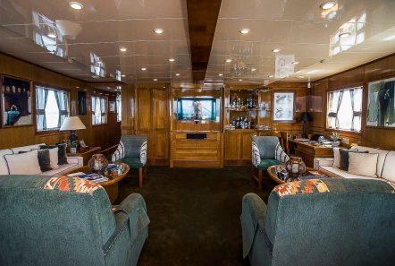 arktos motor sailer salon (1) min -  Valef Yachts Chartering - 2228