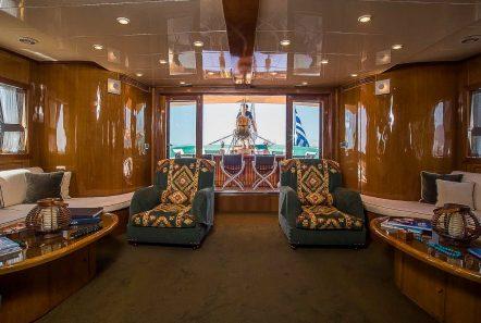 arktos motor sailer salon (2) min -  Valef Yachts Chartering - 2227