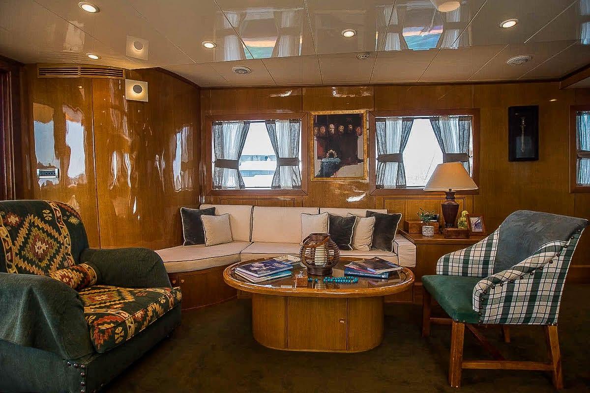 arktos motor sailer salon (3) min -  Valef Yachts Chartering - 2226