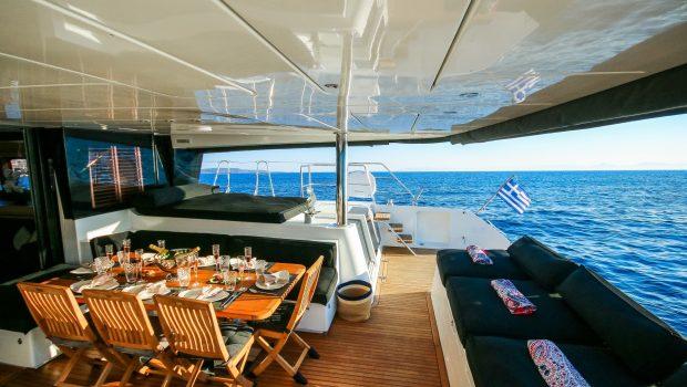 carpe diem catamaran aft deck (2) min -  Valef Yachts Chartering - 2069