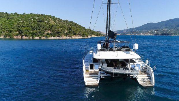 carpe diem catamaran exteriors (6) min -  Valef Yachts Chartering - 2032