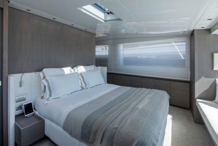 dinaia motor yacht master cabin (2) min -  Valef Yachts Chartering - 1928