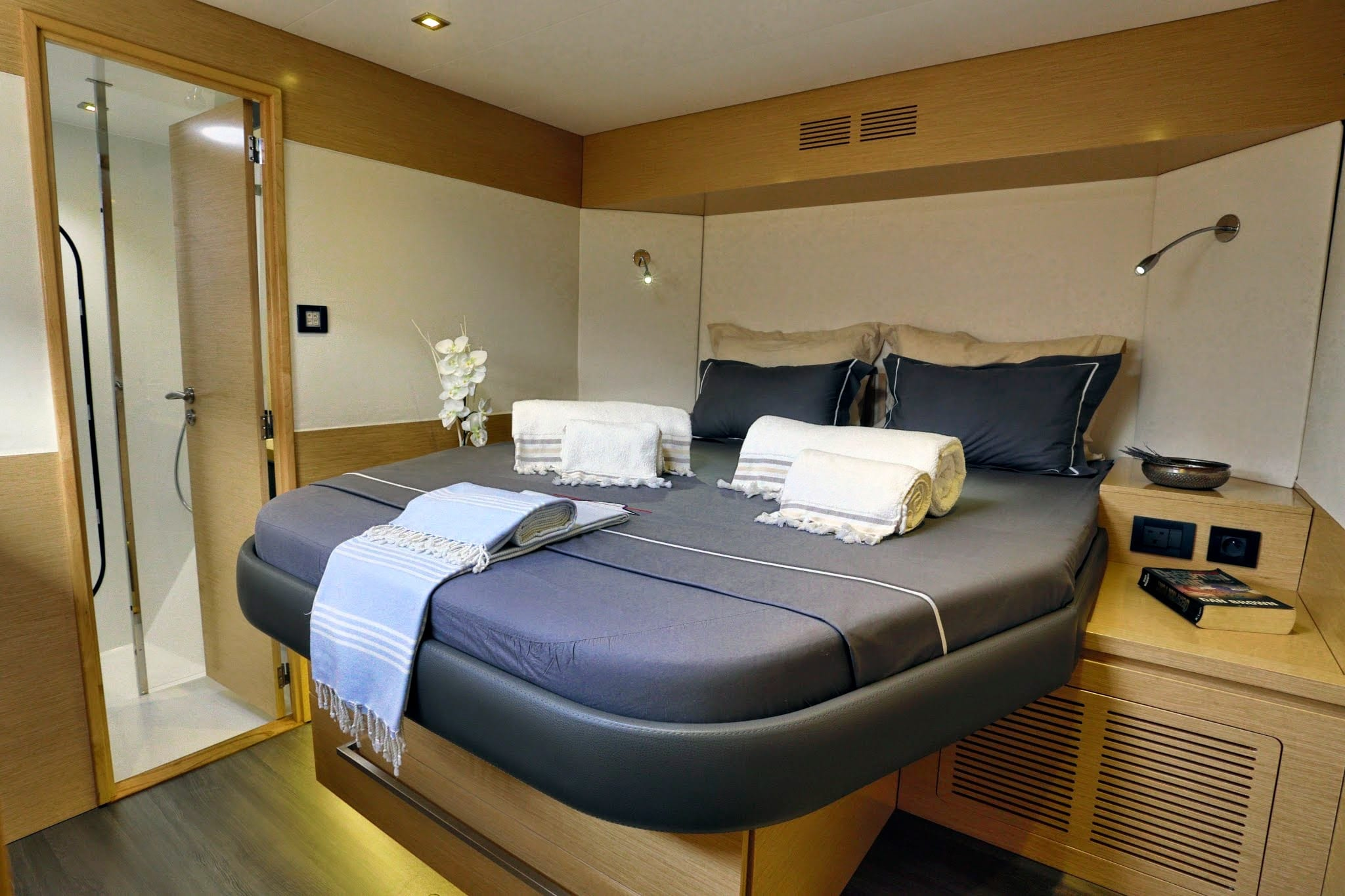 highjinks catamaran double -  Valef Yachts Chartering - 2442