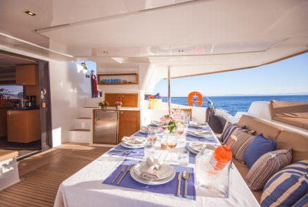 highjinks ii catamaran aft dining (3) min -  Valef Yachts Chartering - 2386